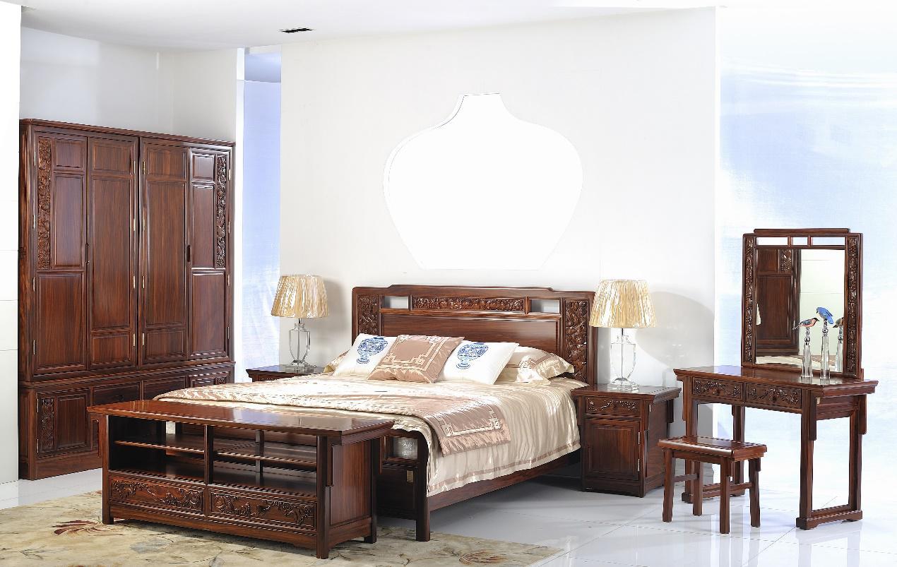 目前在一些高档美式与欧式家具中经常会见到樱桃木的